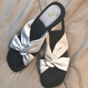 Adorable White/Black Wedge Sandals